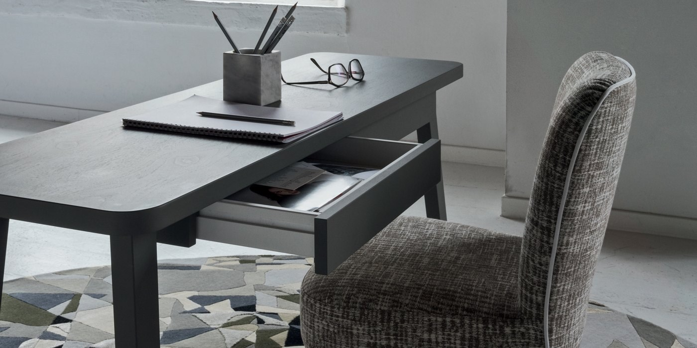 LC 60 Desk - Writing desk in American walnut with two drawers. Available wood finishes like natural walnut, black, air force blue, white or grey.   | Matter of Stuff