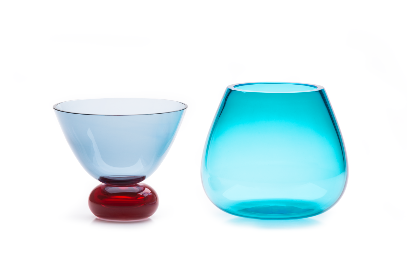 Kount Vase - Kount is composed of discrete elements, a bowl and a vase, that can combine to form a stunning centrepiece. Used singly, they can be adapted for different purposes, whether aesthetic or functional. Made of Murano blown glass and designed by Karim Rashid, Kount plays with an unusual combination of bright colours that can be personalised to