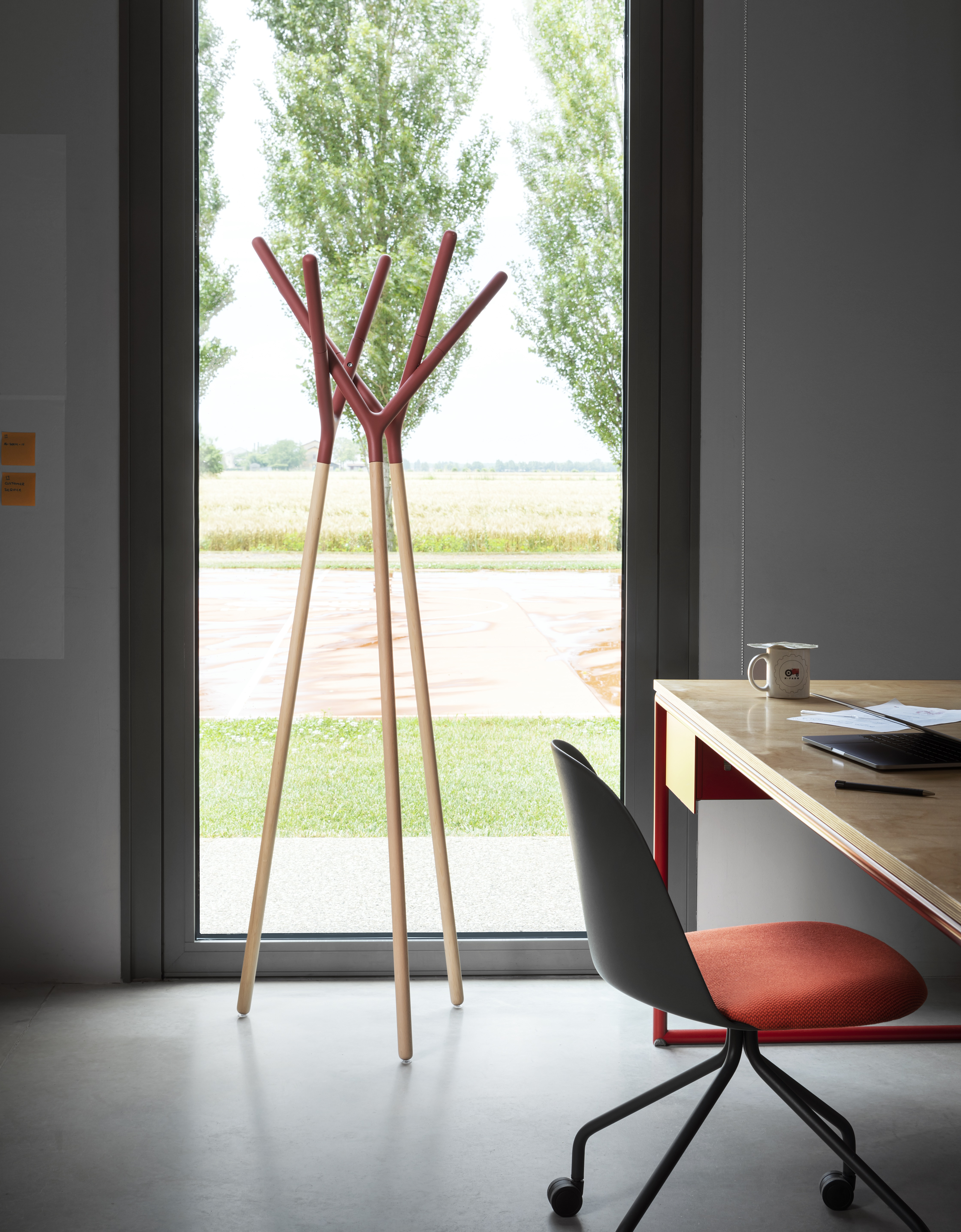 Game of Trust Coat Stand - The three Y-shaped elements support each other, finding in unity an extremely stable balance. This makes Game of Trust an iconic, theatrical coat stand, where no component prevails.  | Matter of Stuff