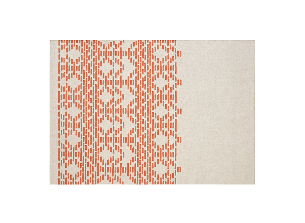 Thay Rug  - Geometry, repetition of shapes and neutral colors combine in THAY, a design by Maria Mengual that evokes the beautiful motifs of Thai fabrics and reinterprets the lines of traditional Persian kilims. The result is an elegant contemporary rug with an ancestral style, achieved thanks to the simplification of patterns and a neutral color palette. | Matter of Stuff