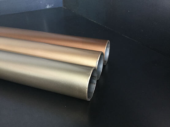 Never Oro Rosa Flat Metal Varnish - 1k one-component varnish in imitation of the flat galvanic finishings, it gives light and great brightness to the treated support. Matt metallic final product. Highly bright, it can be applied in direct adhesion on melt alloys (zama, brass, aluminium) or iron, with anti-scratch performing characteristics and resistant against the main cleaning products and food, through the employment of specific cycles of painting. For supports made on metal, plastic, wood and composites, both for interior (outlines, furniture complements, structures, accessories, handles) and for outdoor employments (windows and doors, facades, architecture, structures).   Matter of Stuff