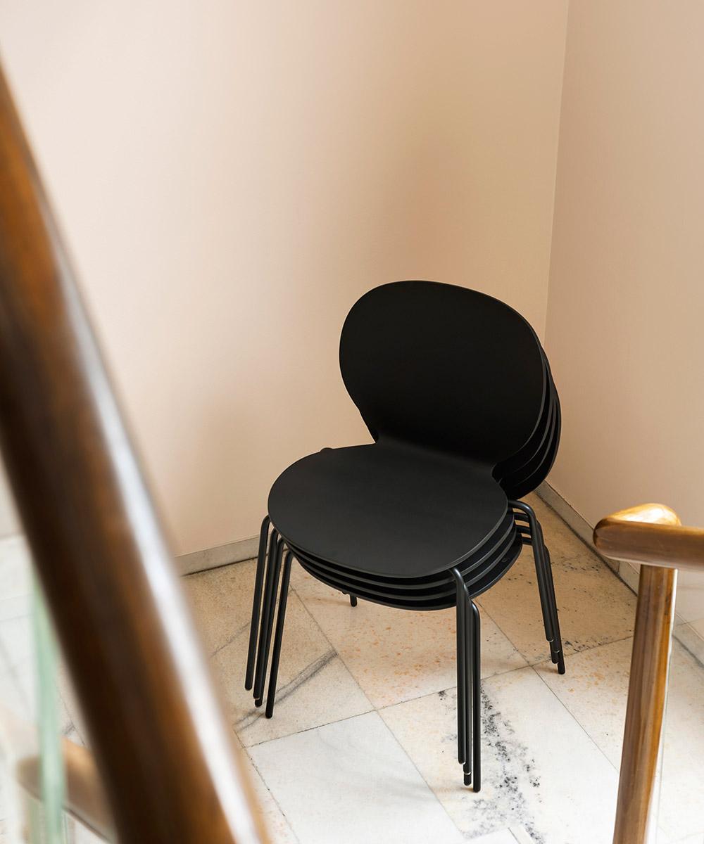 Kelly V Chair