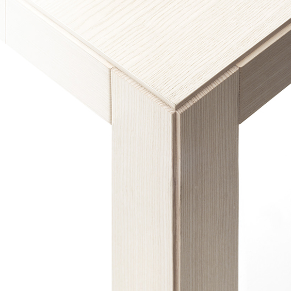 Convivio Extendable Console Table - <p>Table with sober and discrete lines, it effectively solves a present-day need, transforming itself from a simple console into a dining table, protagonist of happy convivial moments. Also suitable for home office and office usage, its ability to transform solves every situation, even the most unexpected one.</p>  | Matter of Stuff
