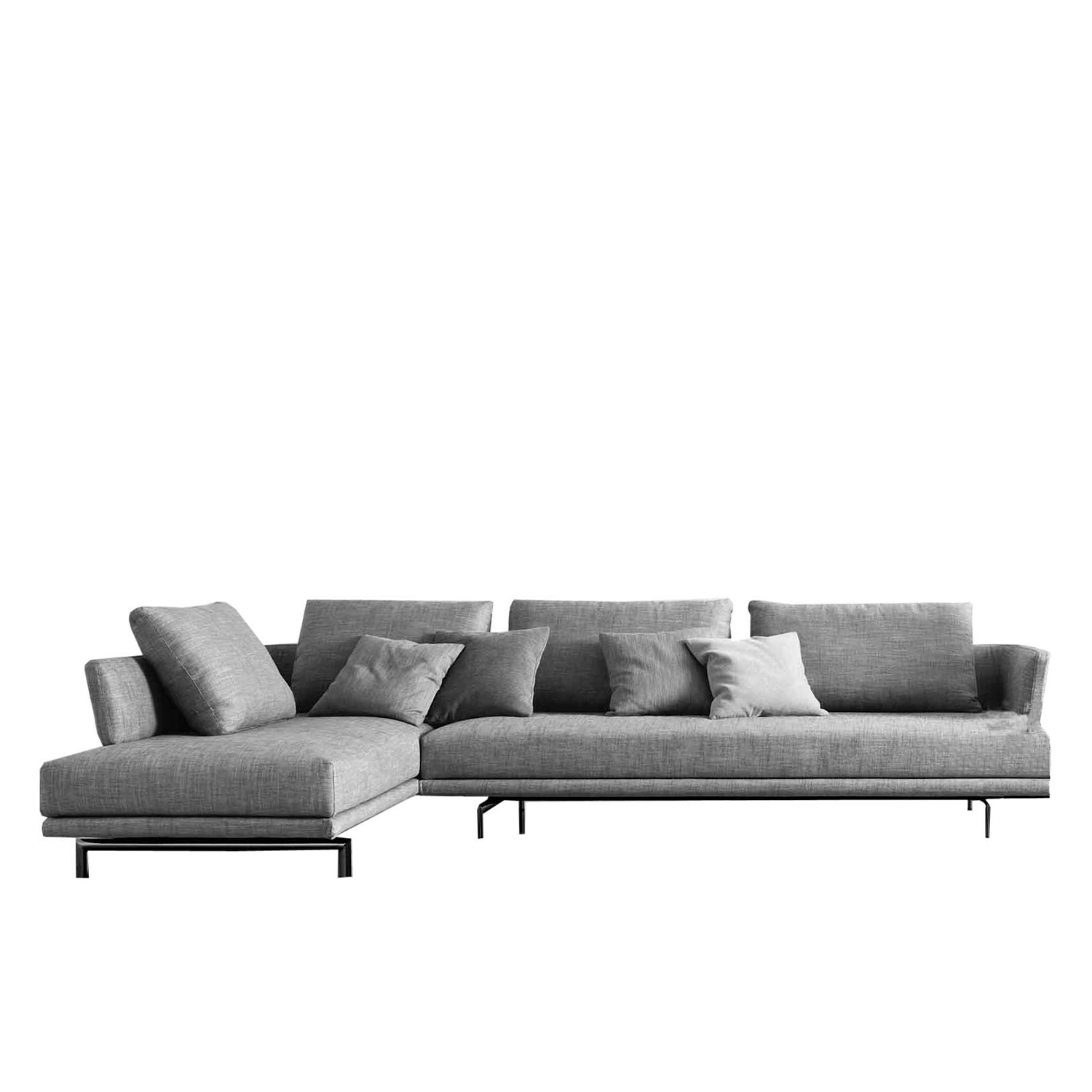 Quinta Strada Modular Sofa - Launched in 1996, the Quinta Strada seating range represented a pioneering design in modern style.‎ Streamlined yet modularly flexible, the range has since then been restyled and re-produced with a sensitivity that is mindful of the new contemporary language.‎ The black chrome finish of the feet, the thinner joining clamps as well as the lightness of the base and back support are elegant touches aligned with modern lifestyle.‎ The various elements in the Quinta Strada collection allow for numerous configurations and particularly interesting compositions even in corner situations.‎