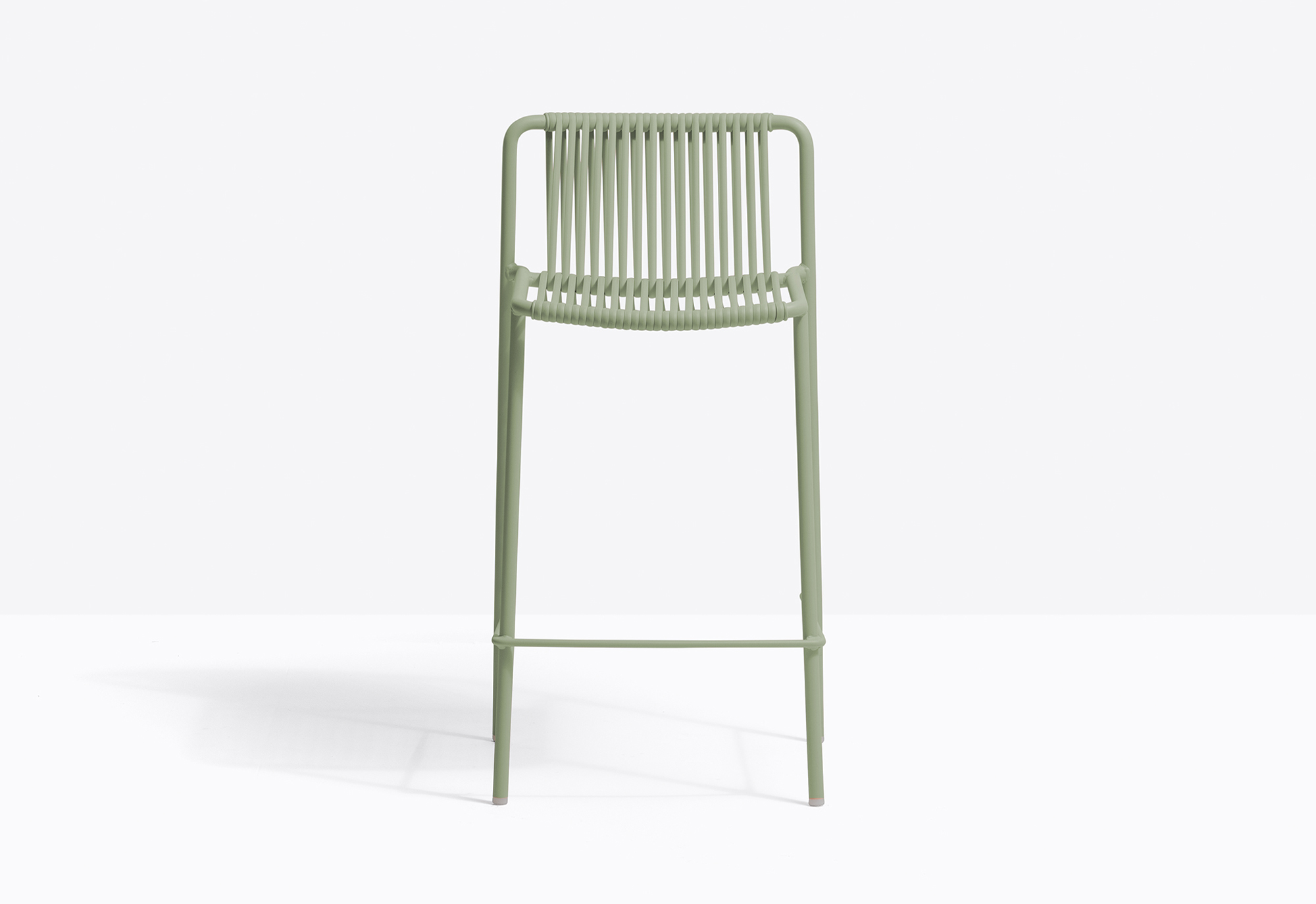 Tribeca Stool - Tribeca takes us back in time with a modern reinterpretation of classic Sixties patio chairs made from steel and woven material. Stool with Ø2cm tube structure powder coated for outdoor use, backrest and seat in woven extruded PVC with a nylon core. Specifically designed for outdoor use. Stackable. Seat height 67,5 cm.   | Matter of Stuff