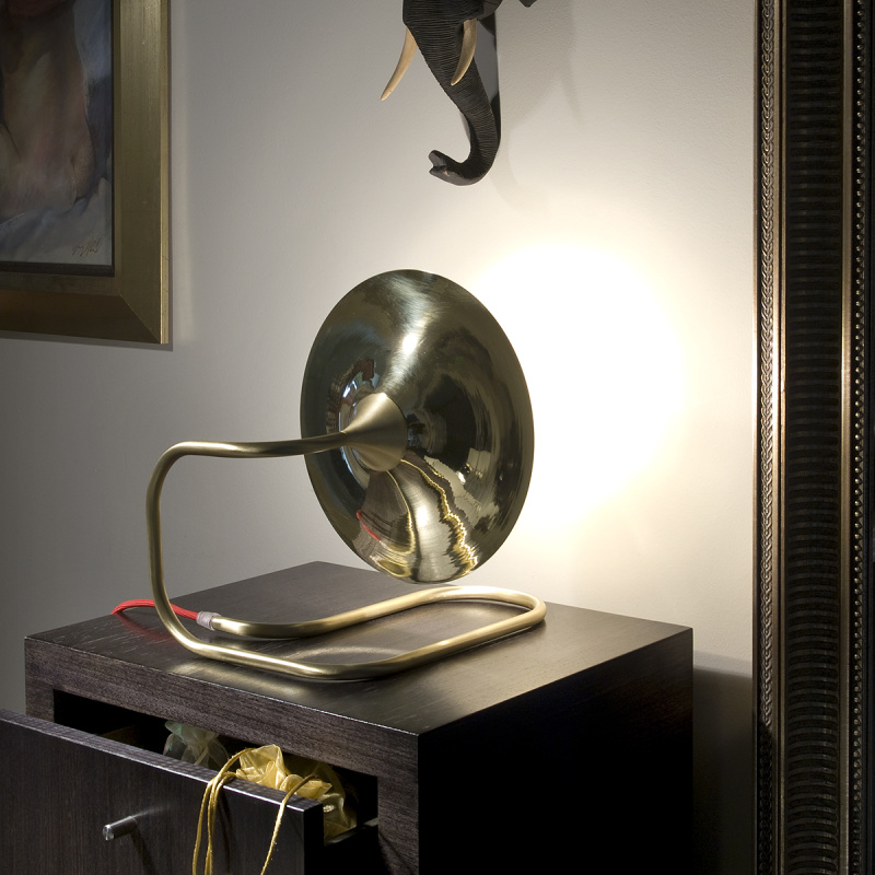 Turbaya Copper Light - <p>A nostalgic design echoing sounds of the past, the Intueri Light Turbaya Table/Wall Lamp contemporizes the look of a gramophone. The Turbaya has a shape like a gramophone and it can remind others about the old days when this was the only thing that we could listen music on. Turbaya is a multi-function light. Wall light, table light, two functions in one product.</p>  | Matter of Stuff