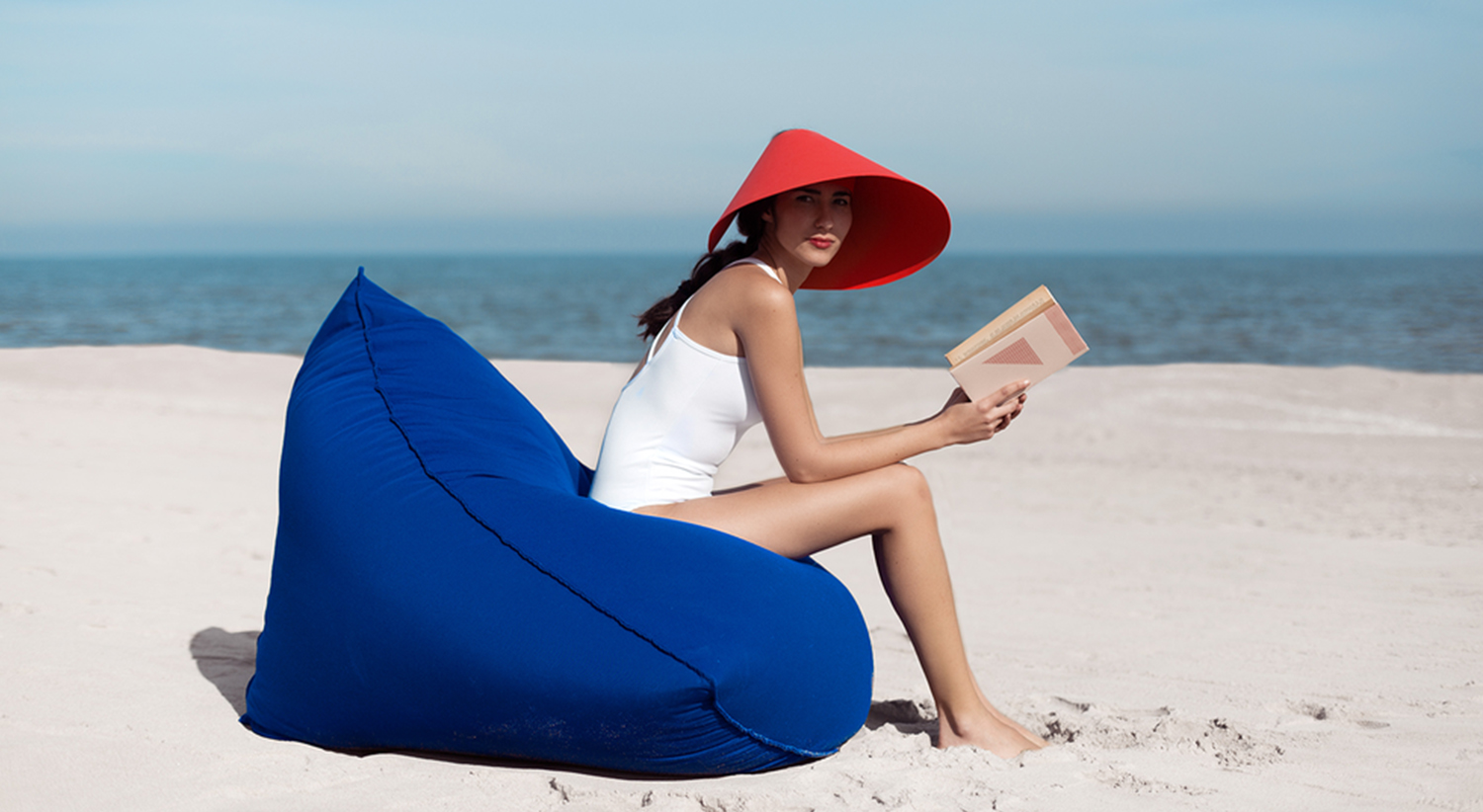 Sail Square Pouf - <p>This is the pouf in our Sail collection, a set of furniture consisting of two designs for a laid-back atmosphere that can be used together or separately. This outdoor pouffe can be used on its own as a seat, but also as a footrest or even as a side table for the Sail armchair. Two incredibly comfortable, soft seats because they're filled with polystyrene beads that move around and intuitively adapt to the human figure.</p>    Matter of Stuff