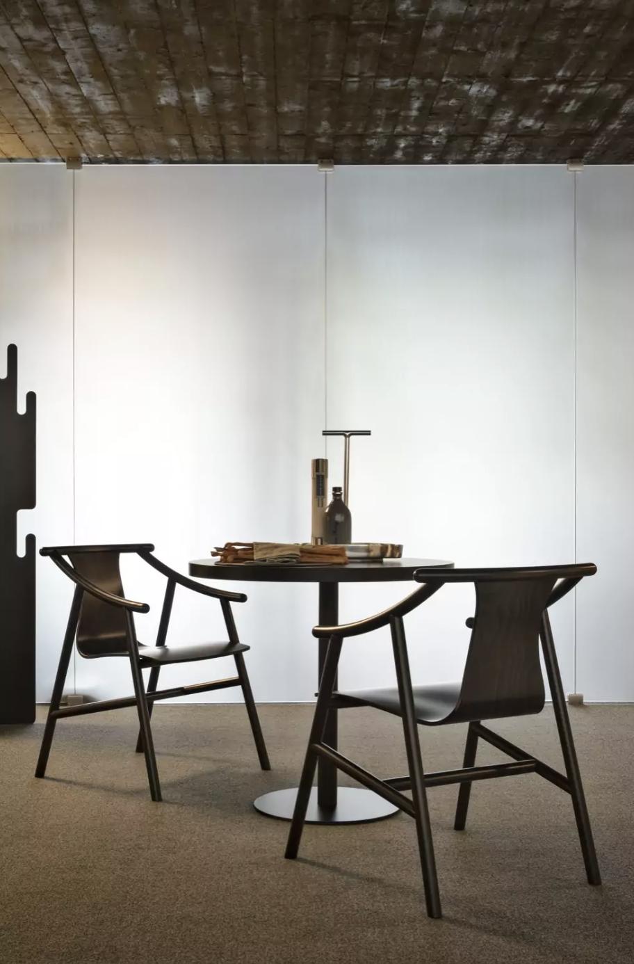 Porto Bar Table