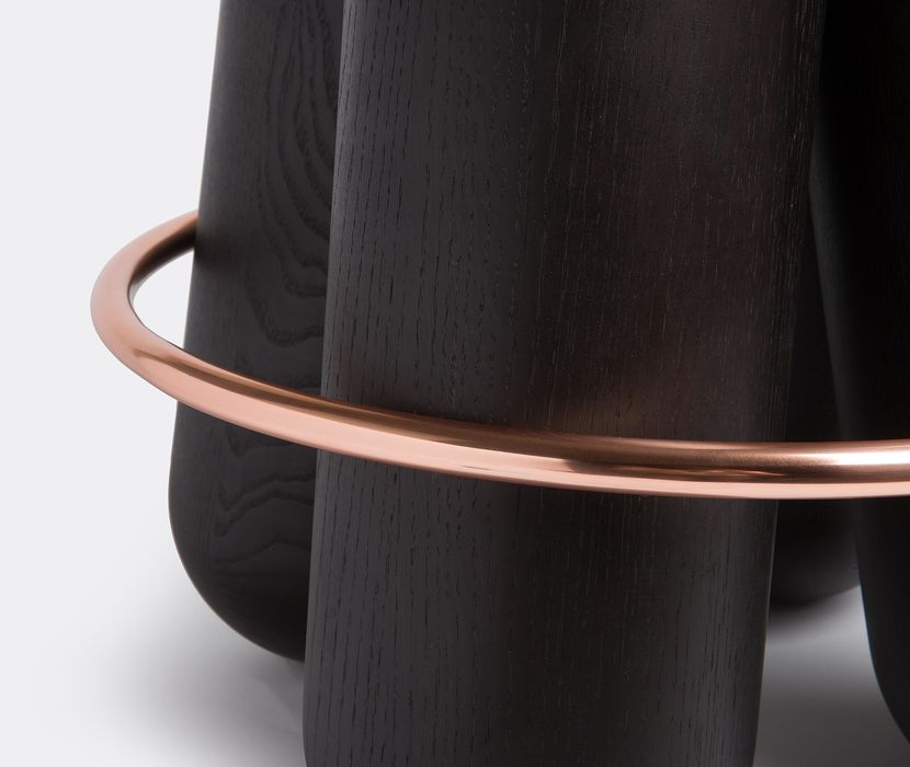 Bolt Stool Noir - <p>Bolt is a stool with a simple construction: 4 cylinders of solid wood are held together by a metal ring. The result is both a modern and statuesque object that will surprise with its unexpected comfort.</p>