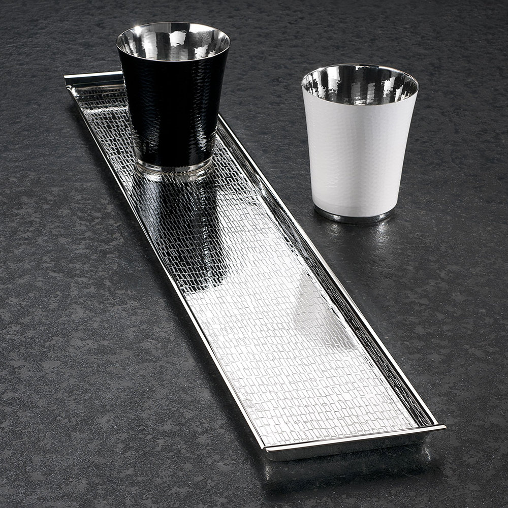Vancouver Rectangular Tray - Add a shining finish to your home with this Vancouver Rectangle Tray from Zanetto. Handmade in Italy, it's been finished with an engraved pattern on its surface. Ideal for your trinkets, keys or just looking fabulous on a side space. | Matter of Stuff