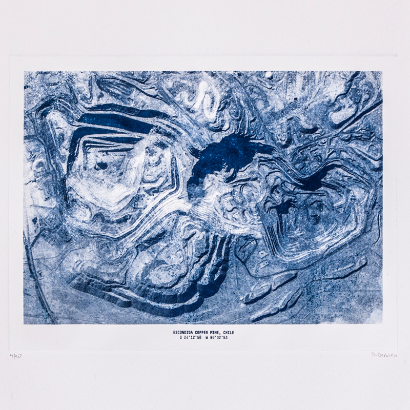 The Copper Project - Mining Etching Print - The structures of these mines, as can be seen on satellite photo's, form fascinating patterns and reliefs in the earth. These sometimes abstract images have been used to make a series of etchings. The prints have been made with a traditional technique where copper plates with an etched relief are used to transfer the ink onto the paper. Together, they show the intriguing and intimidating world of copper mining, a story about copper in copper etchings.  | Matter of Stuff