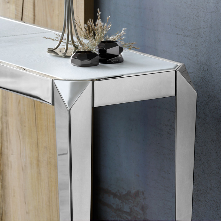 Astrid Console - Astrid is a console entirely made by hand with traditional craft techniques. The structure is in stainless steel and the top is in leather. 100% made in Italy. | Matter of Stuff