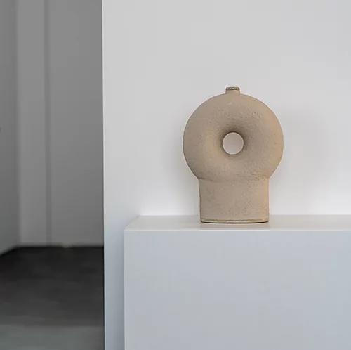 Kumanec One Leg Vase