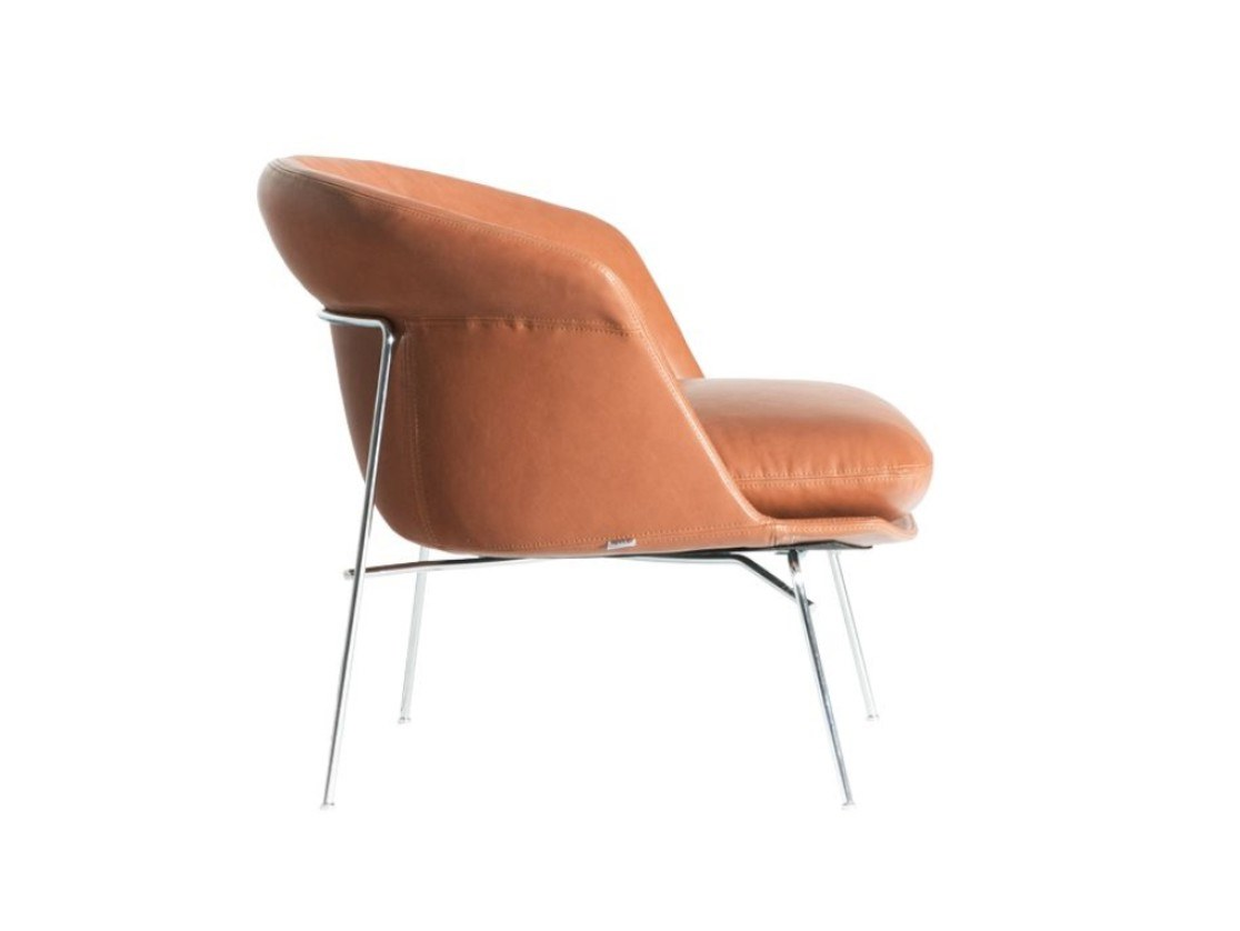 Moon Armchair Leather Upholstered - Armchair with shell in baydur600 matt lacquered in the colors red brick, beige and glossy lacquered in black color. Seat cushion with removable fabric or leather cover. Supporting structure in steel wire in polished chrome finish. | Matter of Stuff