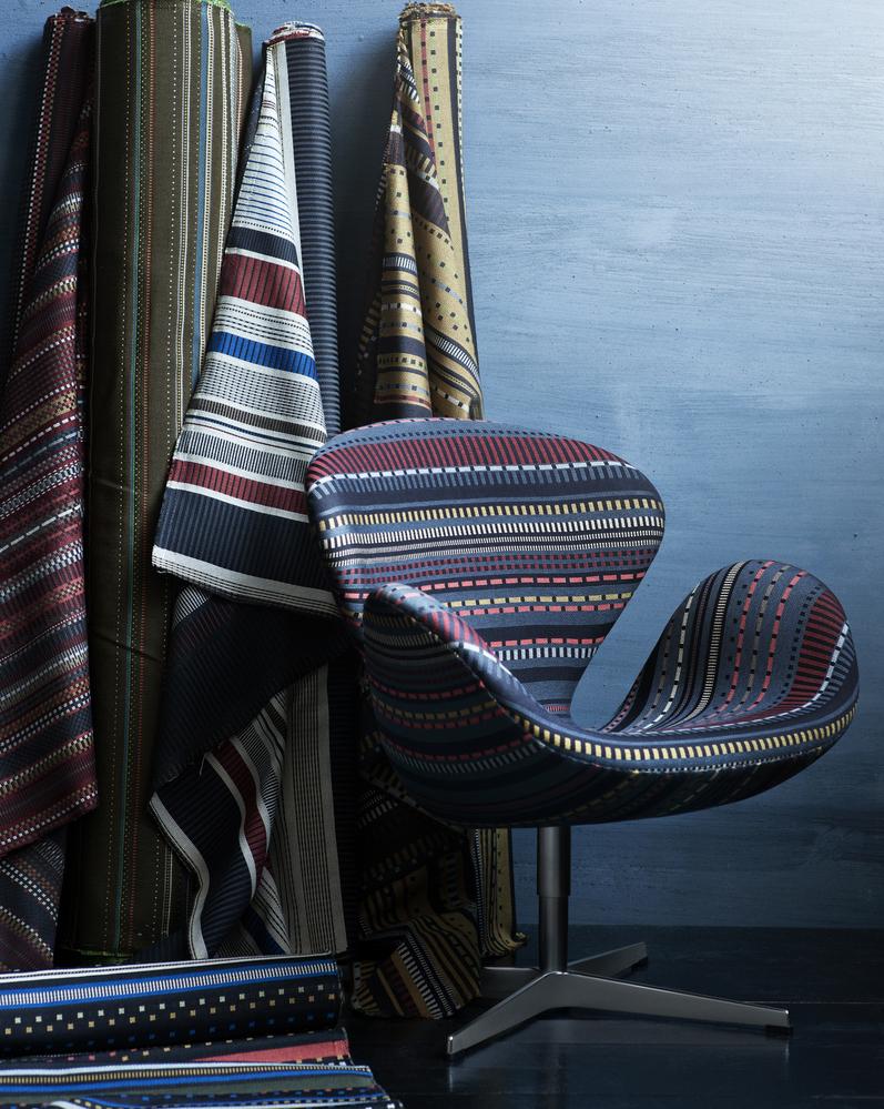 Swan Lounge Chair