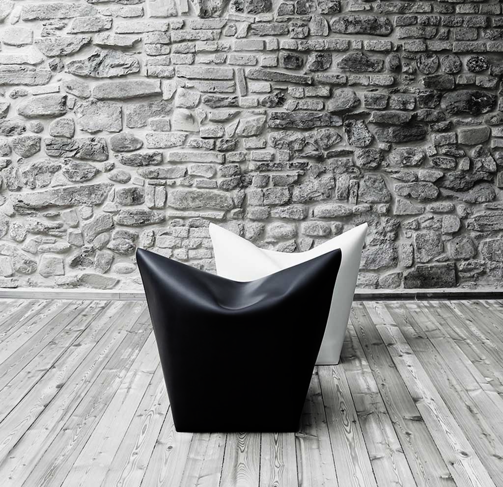 Mao pouf - <p>It is a simple ottoman reminiscent of the cat snout. Made from one piece of leather shoulder and folded as an origami.</p>  | Matter of Stuff