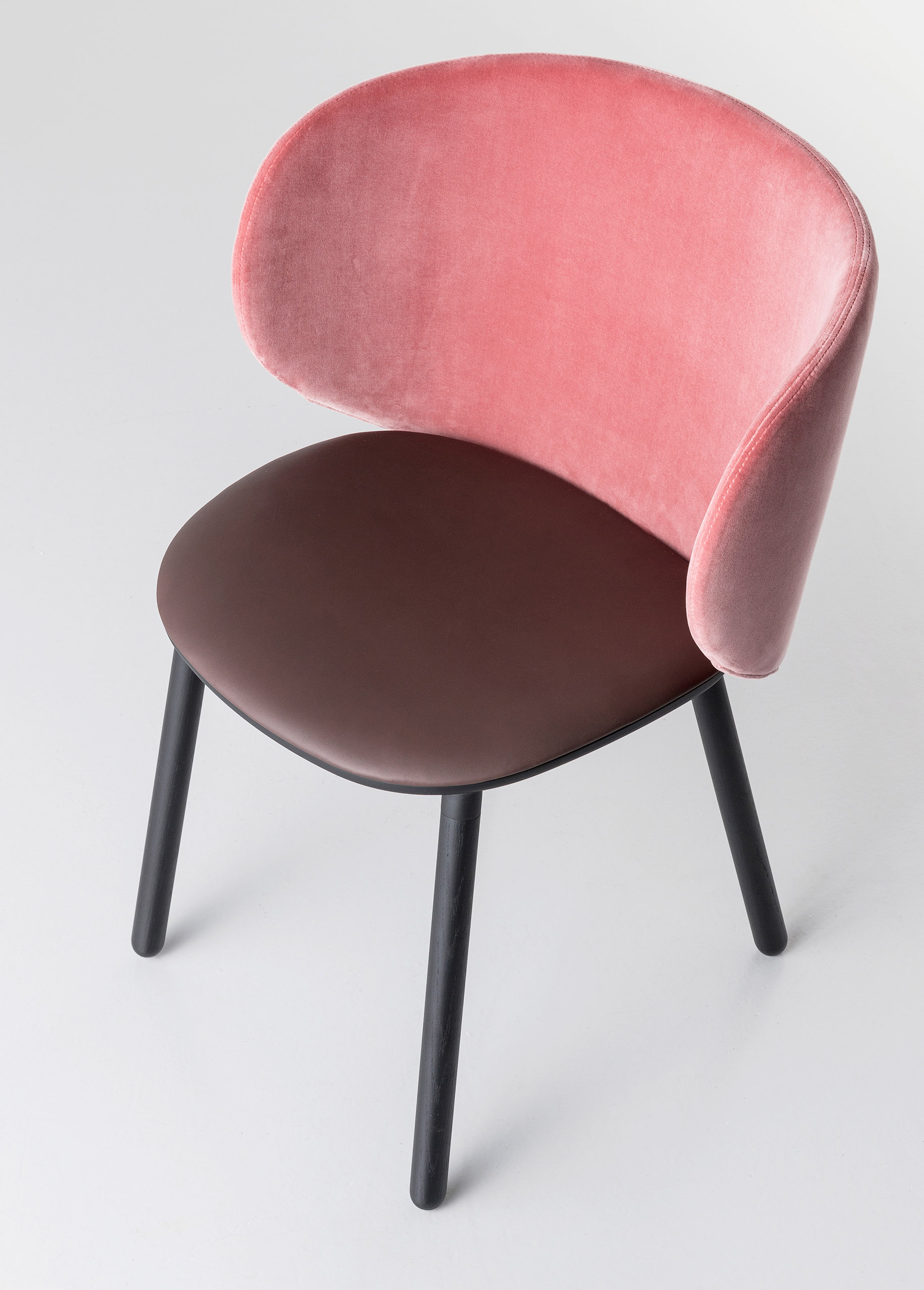 Dua Large Chair with Wooden Base